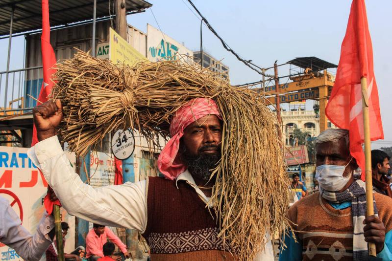 Seit Monaten protestieren die Bauern in Indien gegen die Macht der Großkonzerne.